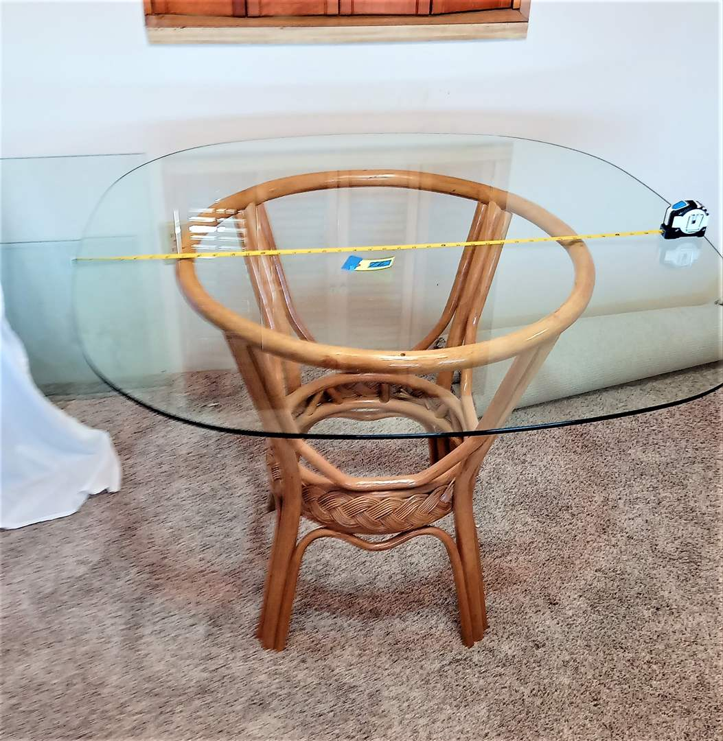 """Lot # 16 Rattan & Wicker Base Dining Room Table with Beveled Glass Top with Rounded Edges. 40""""x40"""" 29"""" Tall"""