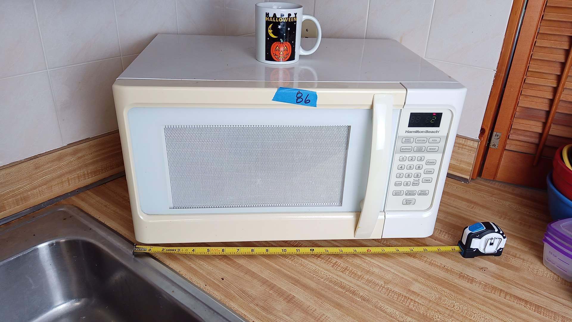 Lot # 86 Hamliton Beach 1000 watt MicroWave and Westhouse Toaster Oven