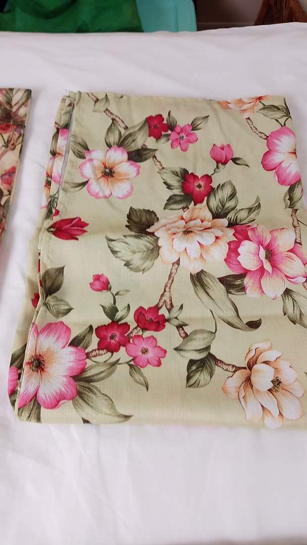 Lot # 142 6 Table Cloths