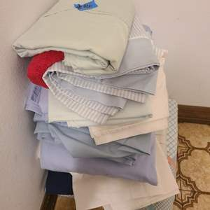 Auction Thumbnail for: Lot # 96 Large Lot of King Size Bedsheet of Various Colors and Patterns