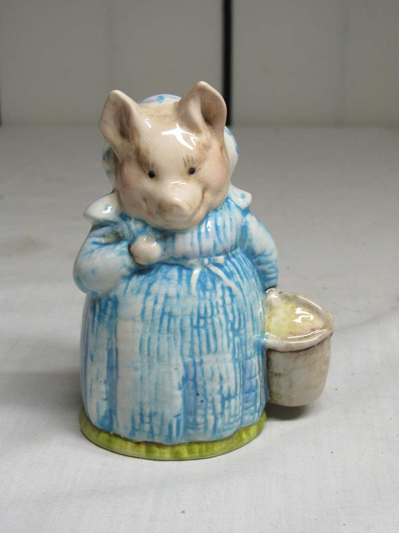 "Lot # 25  Beatrix Potter ""Aunt Pettitoes"" 4"" figure Beswick England (main image)"