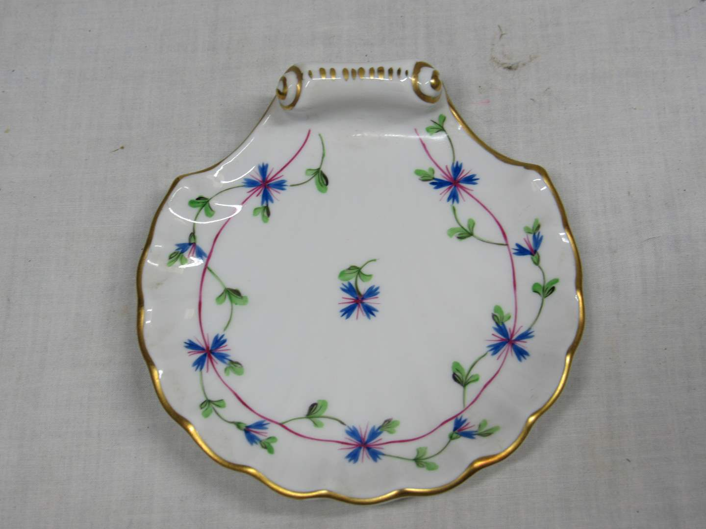 """Lot # 45  Great Herend Hungary shell dish 4"""" across  (highly collectible) (main image)"""