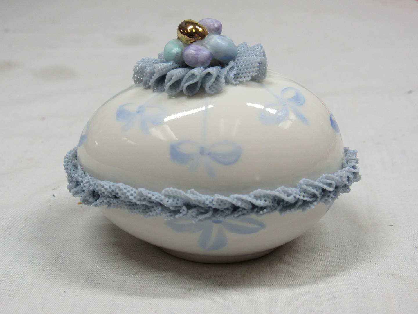 """Lot # 51  WOW vintage Irish Dresden egg paperweight (great condition) 3"""" across (main image)"""