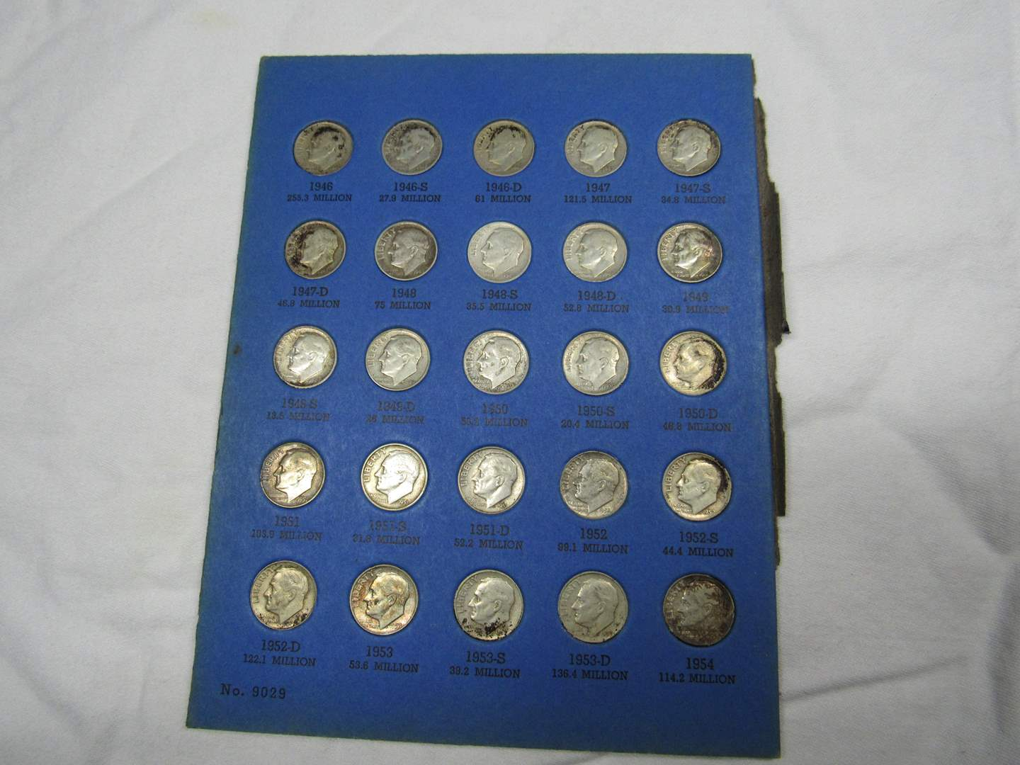 Lot # 104  Large collection of Roosevelt silver dimes (main image)