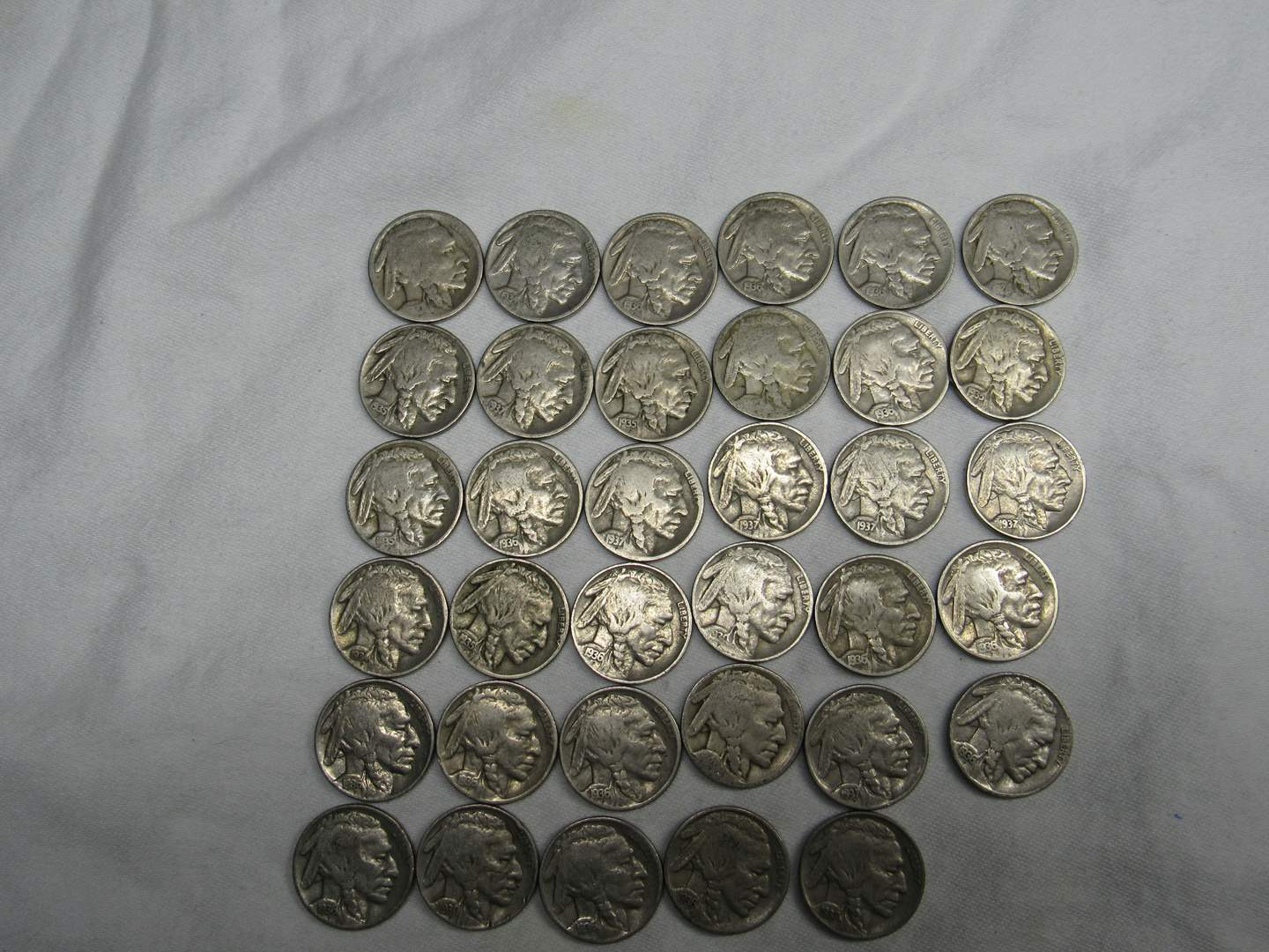 Lot # 135  Great LARGE lot of Buffalo Nickels (various dates & conditions) (main image)