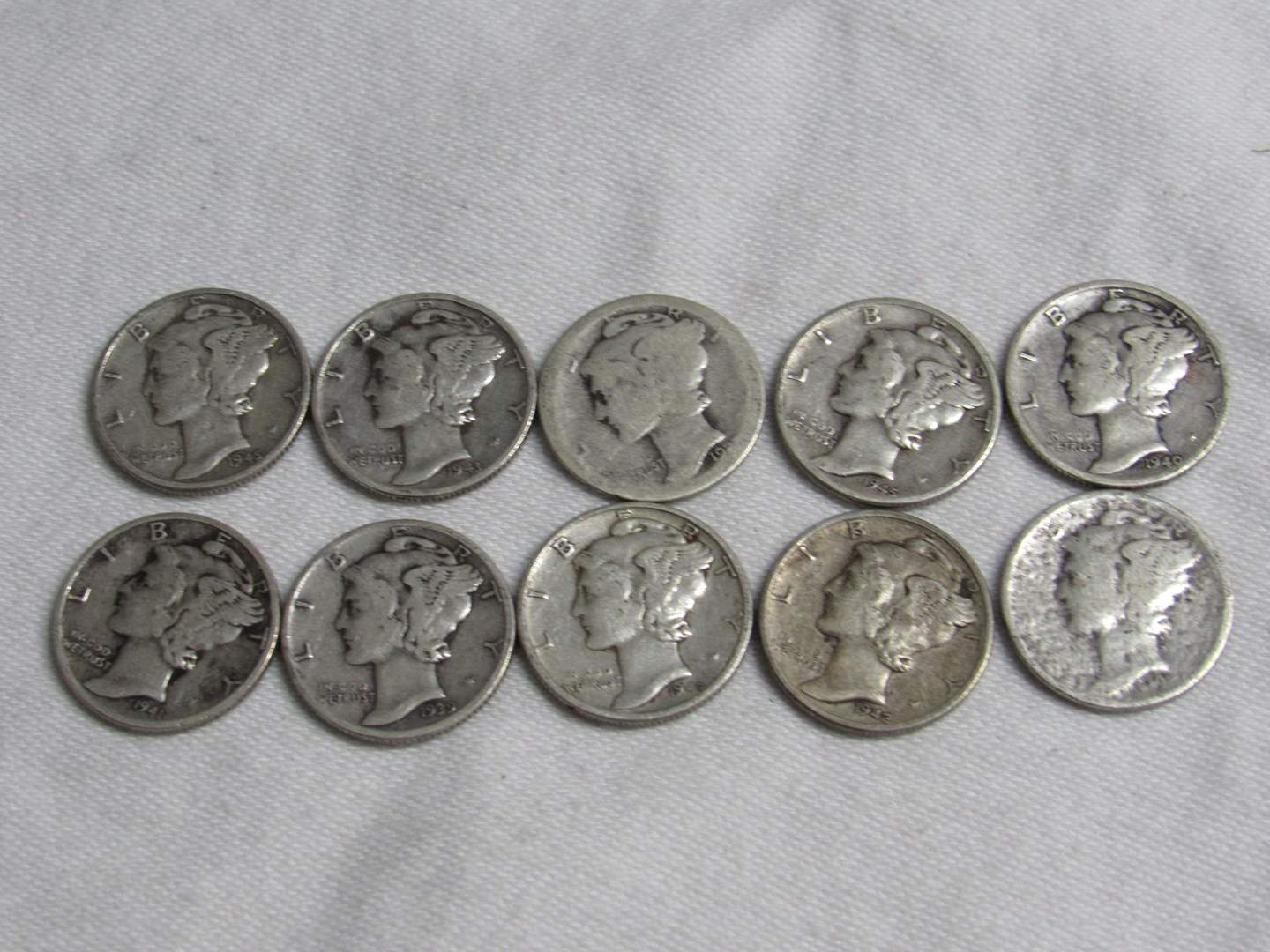 Lot # 179  Great lot .90 silver Mercury dimes (various dates & condition) (main image)