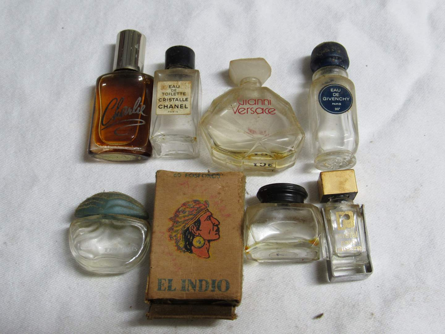 Lot # 189  Nice lot of miniature advertising bottles etc (check the names it's a who's-who's) (main image)