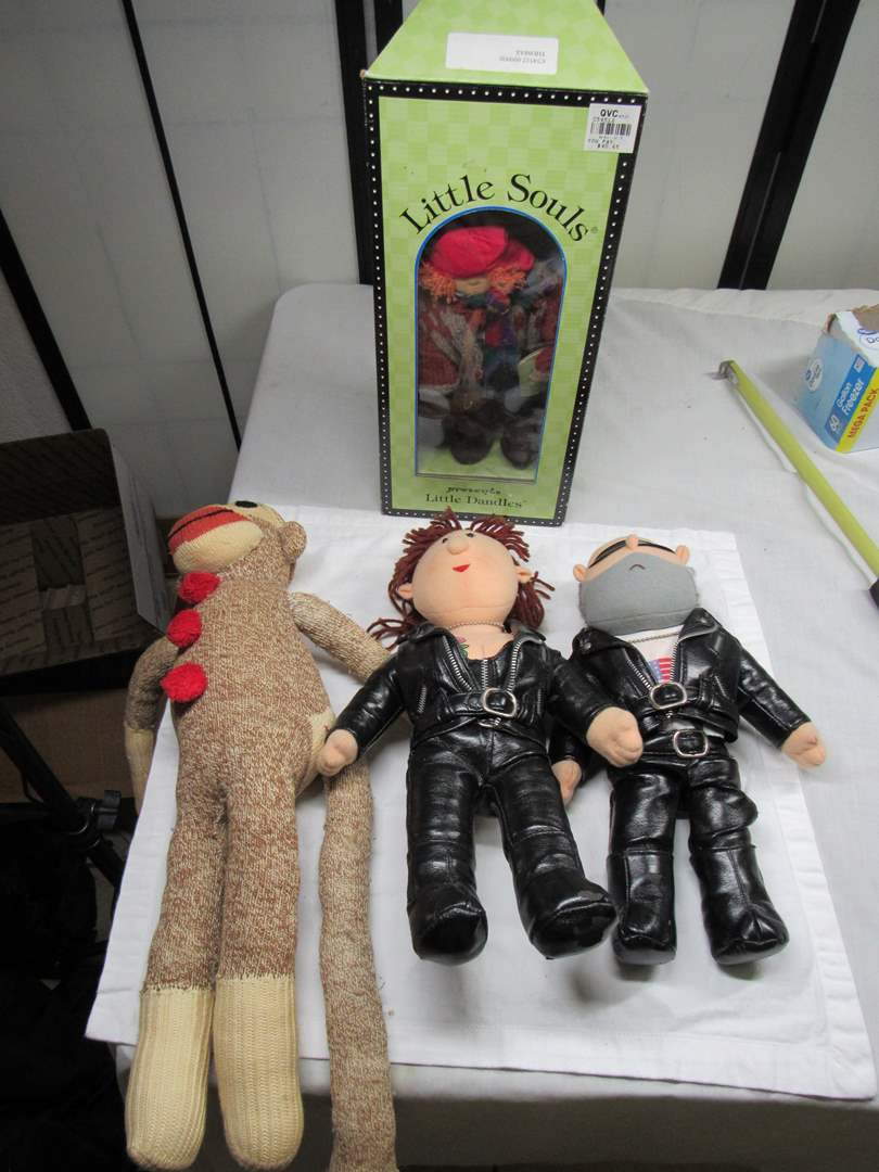 Lot # 207  Collection of dolls/plush to include Harley (main image)