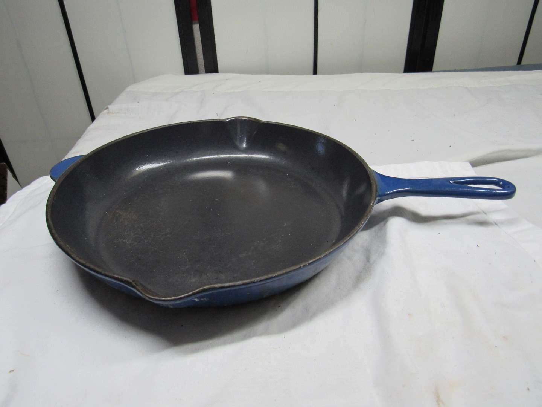 Lot # 220  LeCreuset Made in France #26 enamel & cast iron fry pan (main image)