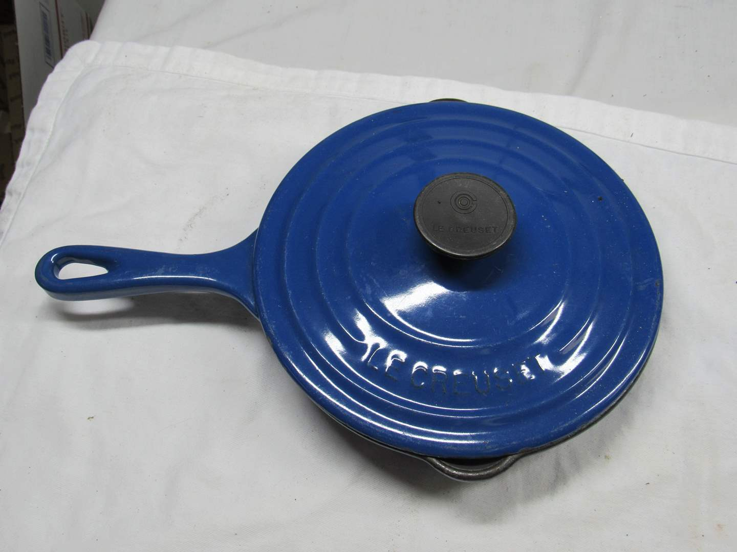 Lot # 221  LeCreuset Made in France #20 enamel & cast iron pan with lid (main image)