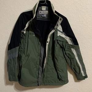 Auction Thumbnail for: Lot # 81 Nice Columbia Vertex Men's Size L Jacket