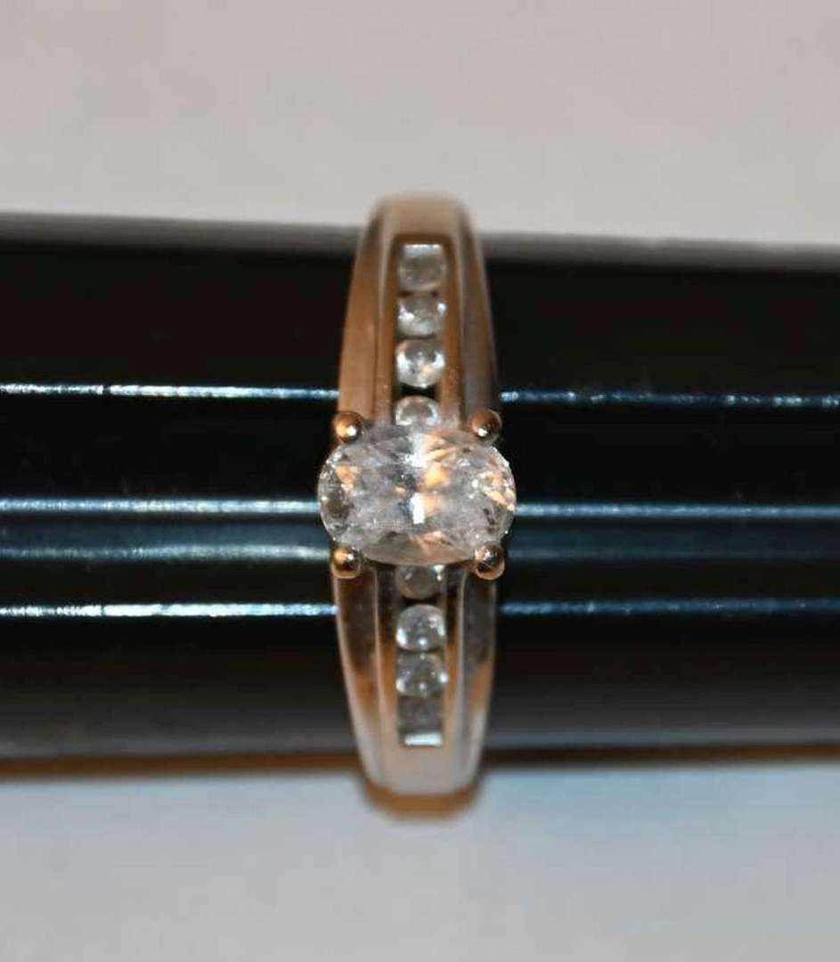 Lot # 8 14KT yellow gold & CZ ring size 9 4.4g