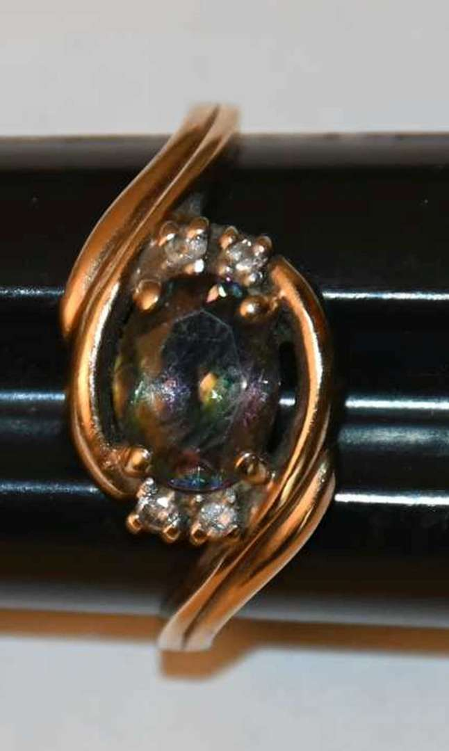 Lot # 10 10KT yellow gold Mystic Topaz & diamonds ring size 8 2.9g