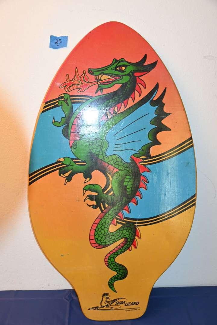 Lot # 25 SKIM LIZZARD 2004 skim board