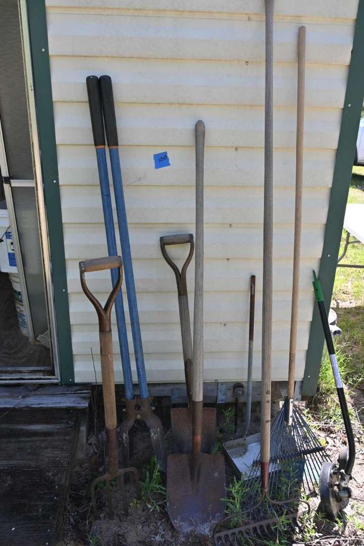 Lot # 100 Yard tools & edger lot