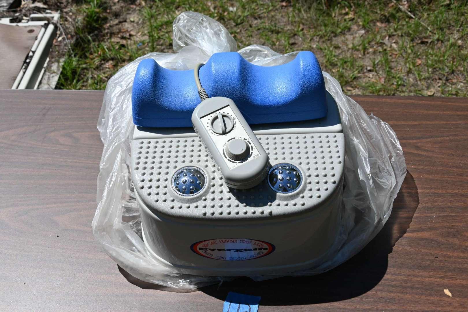 Lot # 112 Evergain Aerobic Exerciser Stress Buster leg & foot CN-305DL HEAT & massager