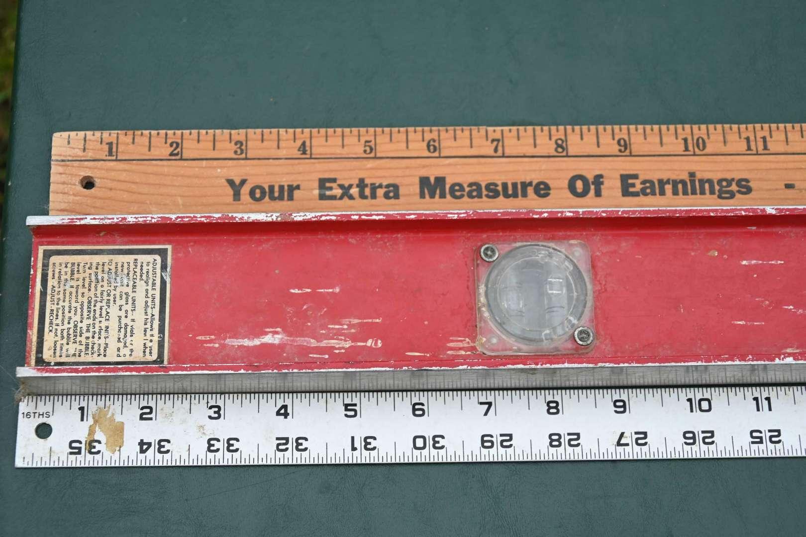 Lot # 144 Yard sticks, leveler, aluminum ruler