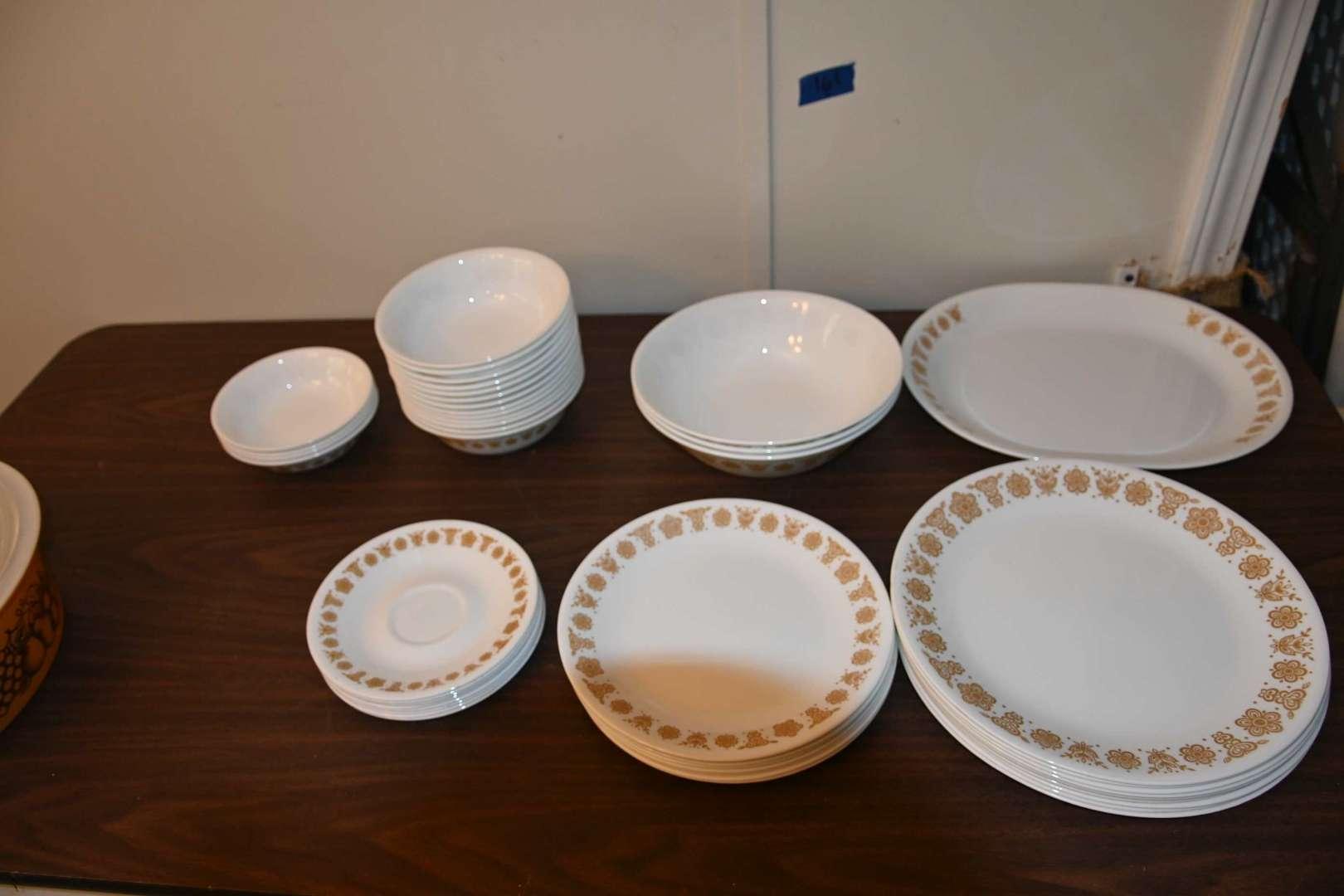 Lot # 161 CORELLE dish set