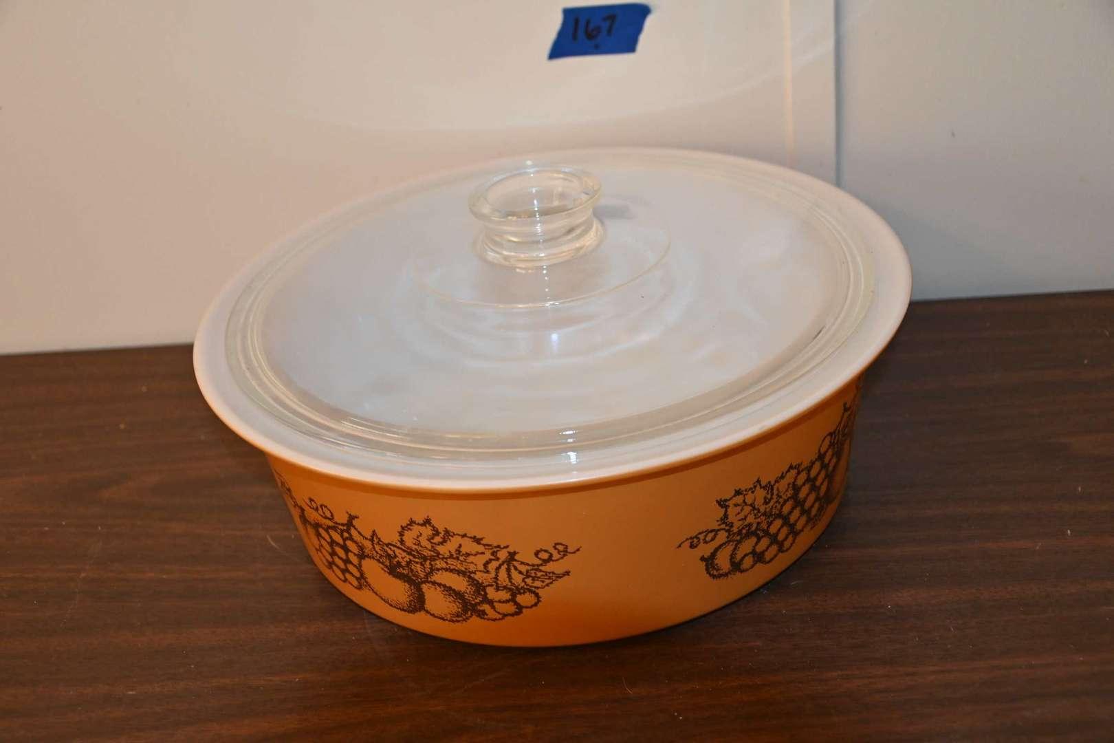 Lot # 167 Vintage PYREX BIG BERTHA 664 4 quart round casserole with lid