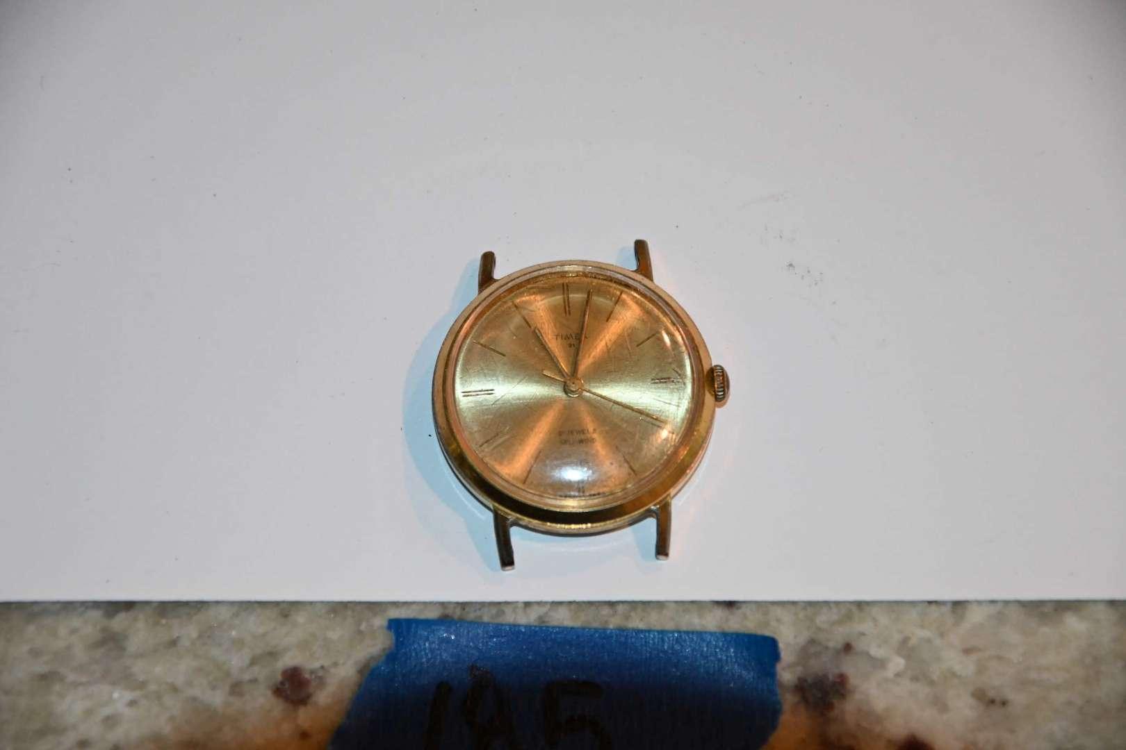 Lot # 185 1960s TIMEX 21 self winding watch *running*