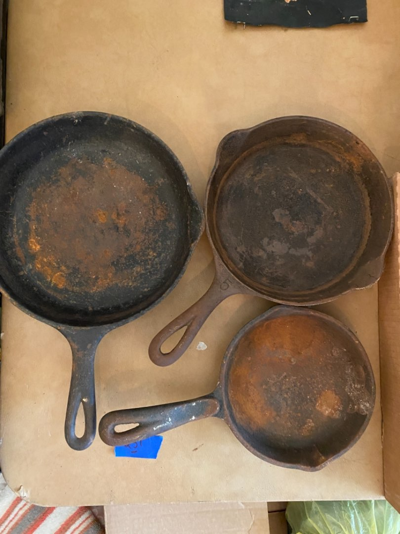 Lot # 231 GRISWOLD CROSS #5 cast iron skillet & two others