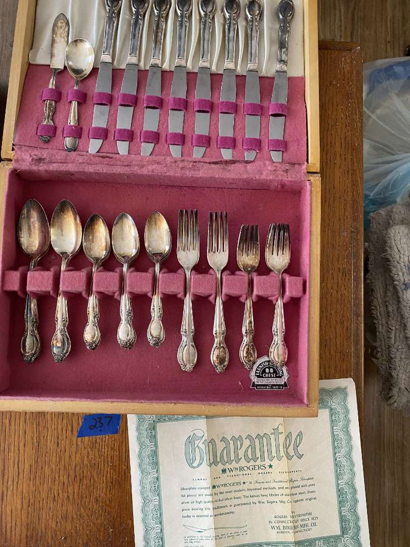 Lot # 237 W.M. ROGERS silverplate setting for 8 with box