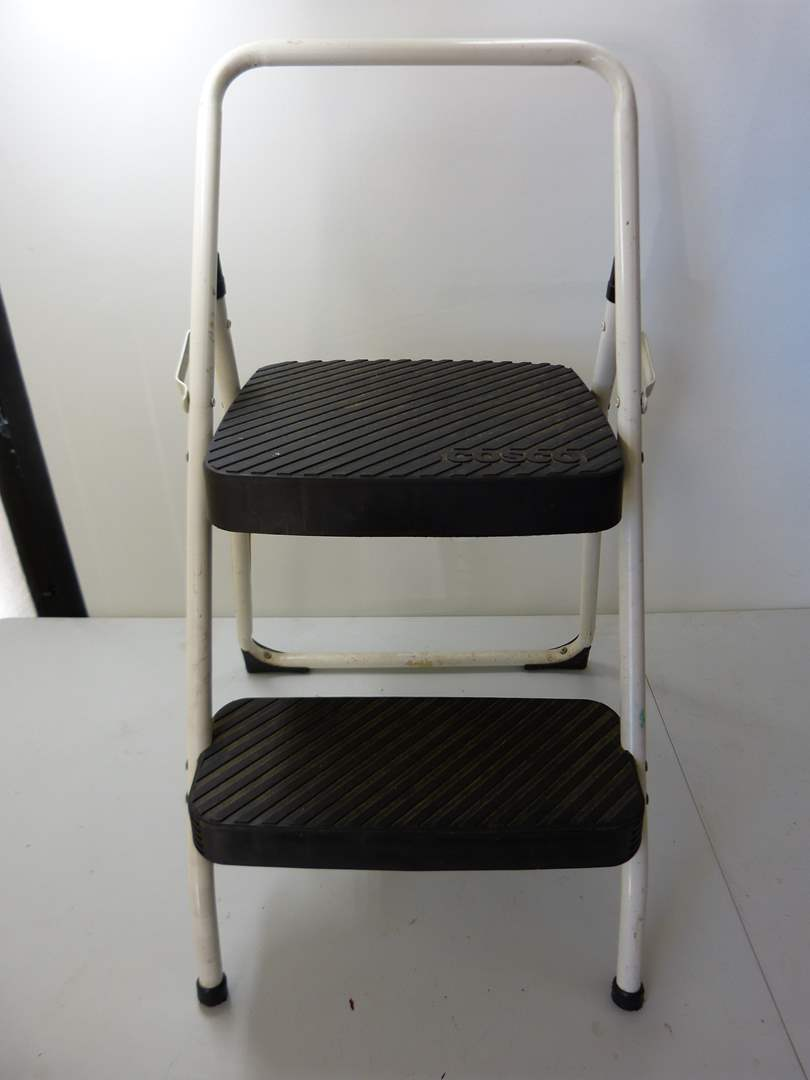Lot # 170  2 step stool for those just out of reach things (main image)