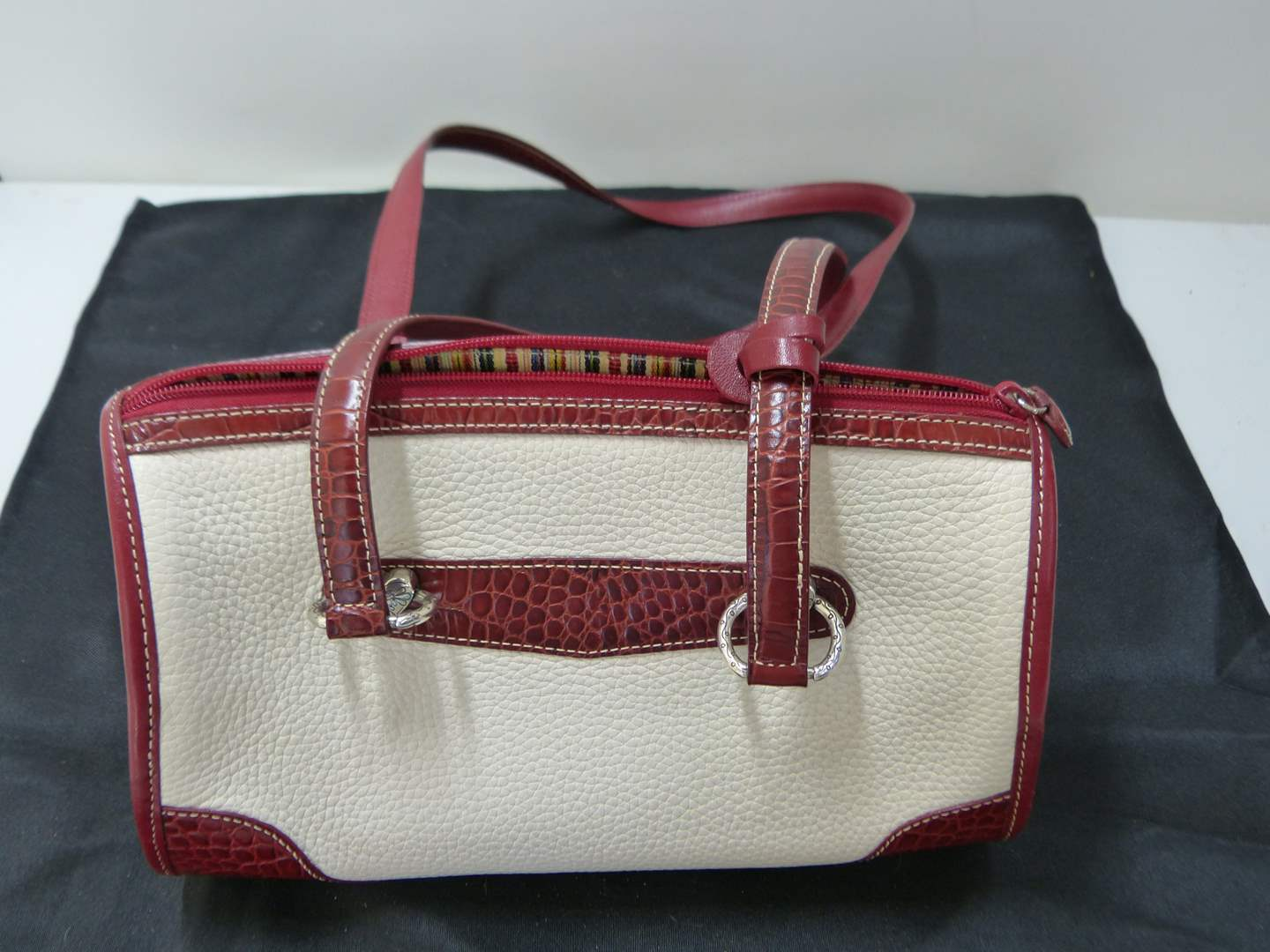 Lot # 198  Excellent condition ladies AUTHENTIC Brighton purse w/matching wallet (main image)