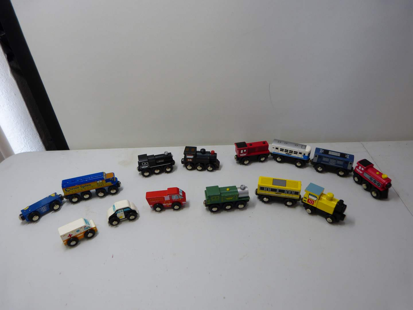 Lot # 231  Large collection of Thomas the Train trains (main image)