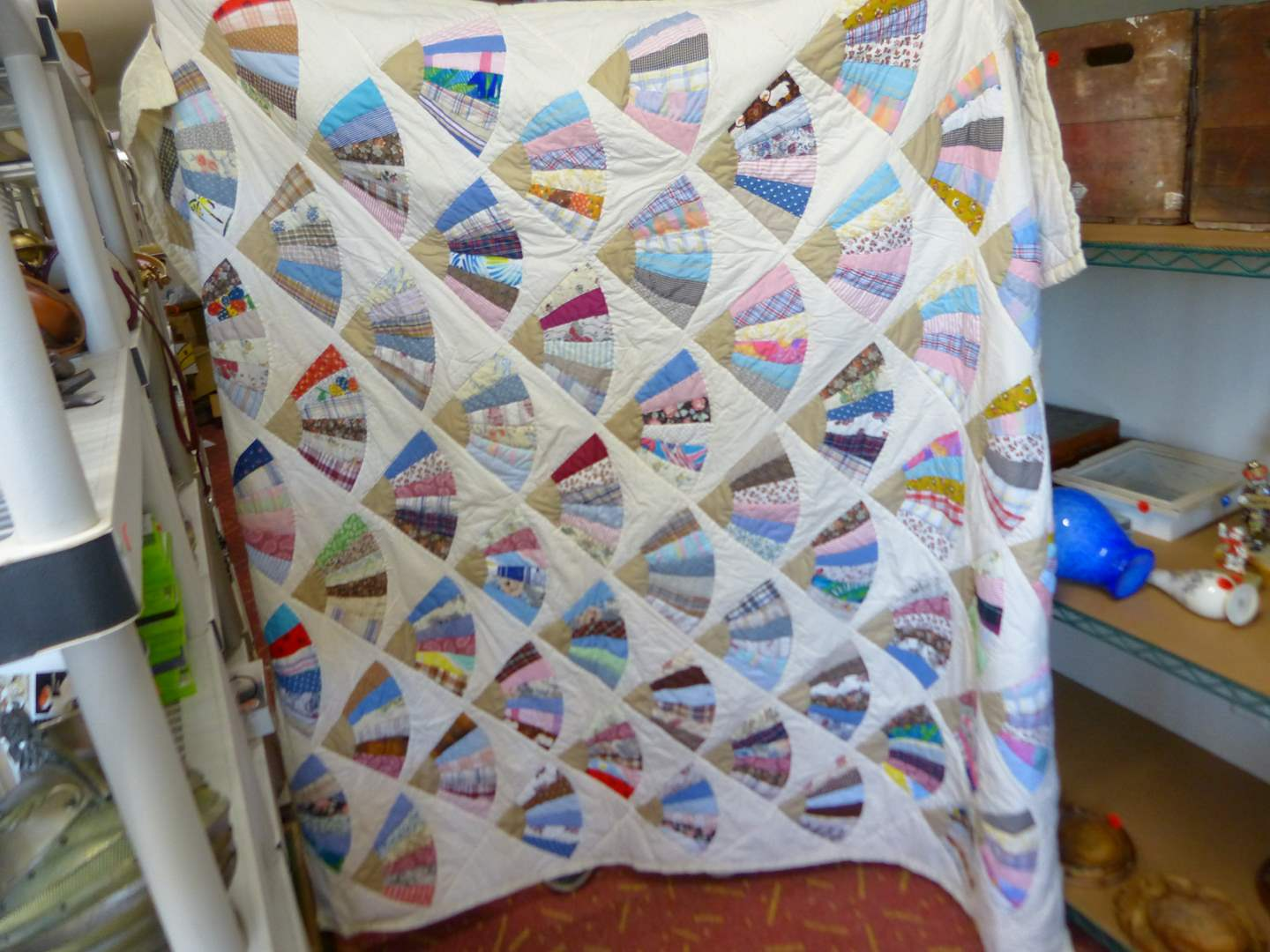 """Lot # 246  Beautiful hand done quilt 84"""" X 76"""" (main image)"""
