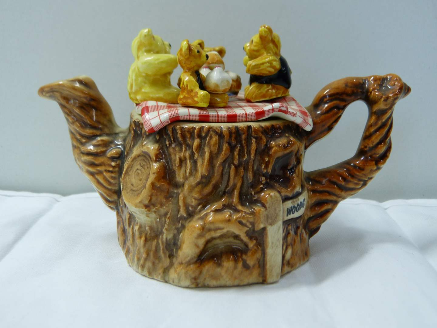 Lot # 286  Great miniature Made in England animated teapot  (main image)
