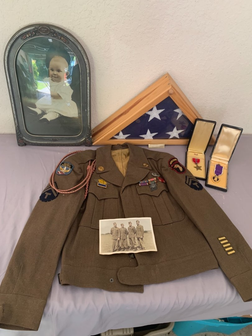 Lot # 5 WOW!! Beautiful WW 2 Military Lot WITH History! Please See Below