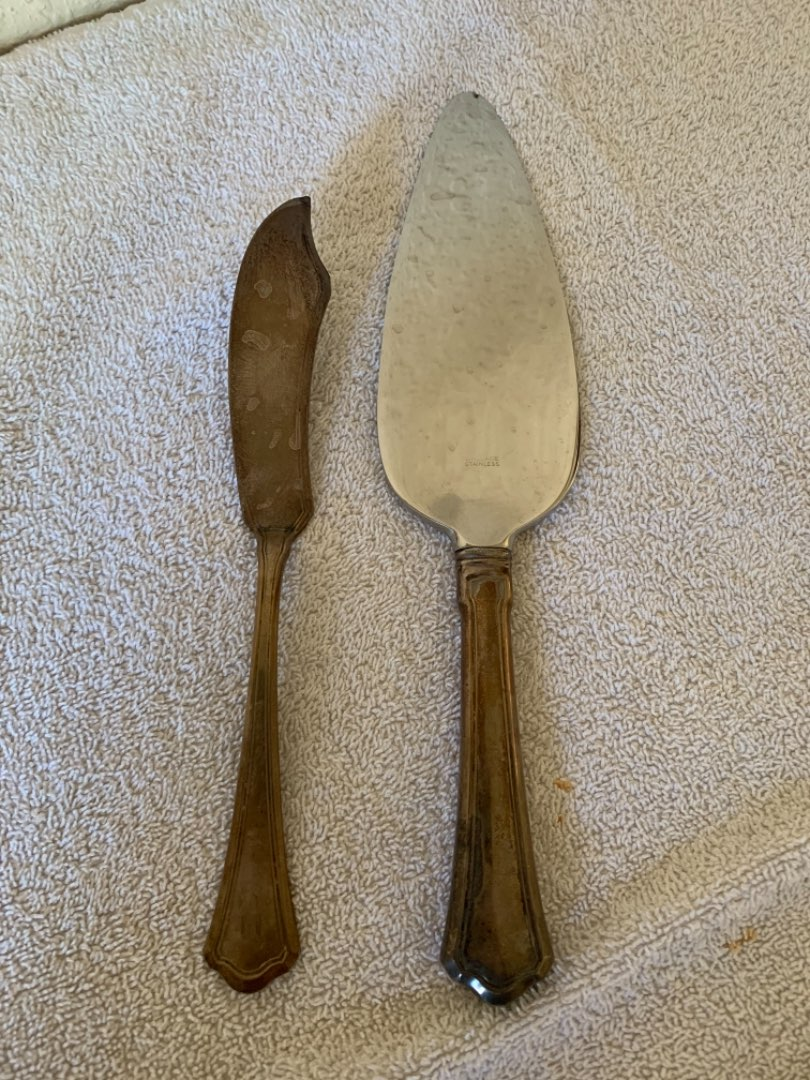 Lot # 25 Lot 11.  Two Piece Lot Pie Server & Knife Wallace & Sons Sterling Silver. See Below