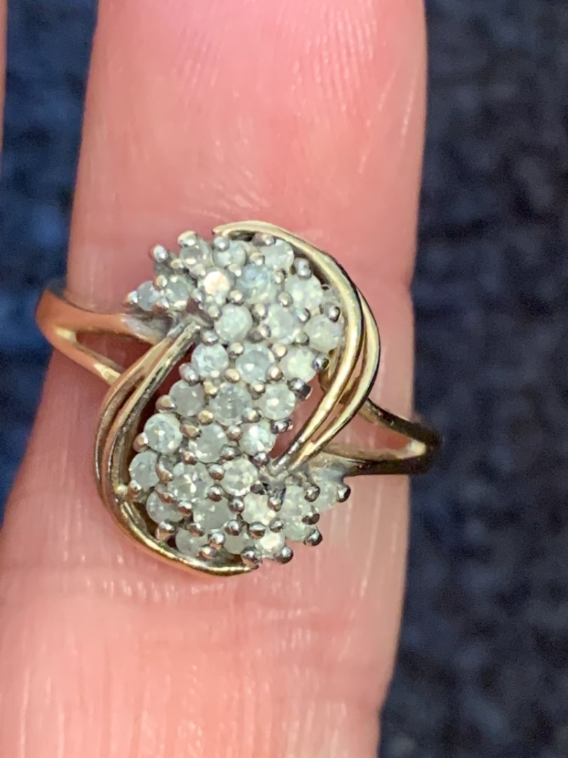Lot # 126  Beautiful 10K Ring With Real Diamond Cluster. Size 7.  2.90 Grams. See Below