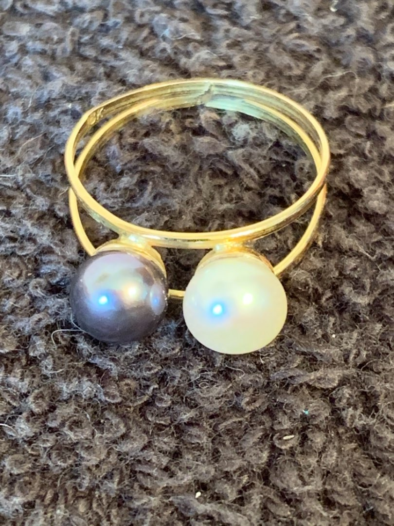 Lot # 128  Great Stamped 18K Double Pearl Ring. Size 7.5. 2.33 Grams