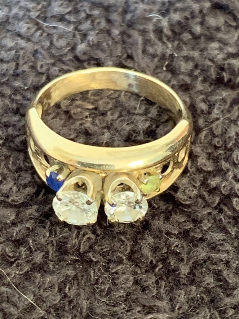 Lot # 138 Gorgeous 10K Ring With Real Diamonds & Stones. Size 6.5. 3.34 Grams