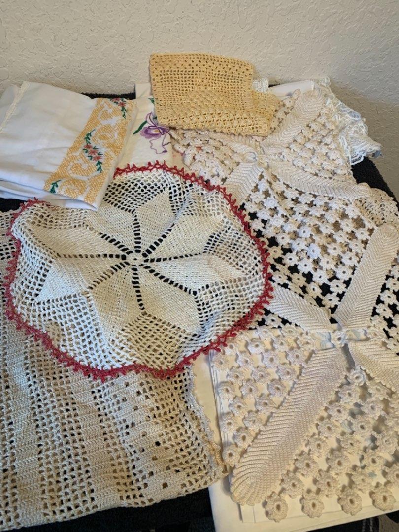 Lot # 153 Lot Of Vintage Linens; Doilies, Etc.