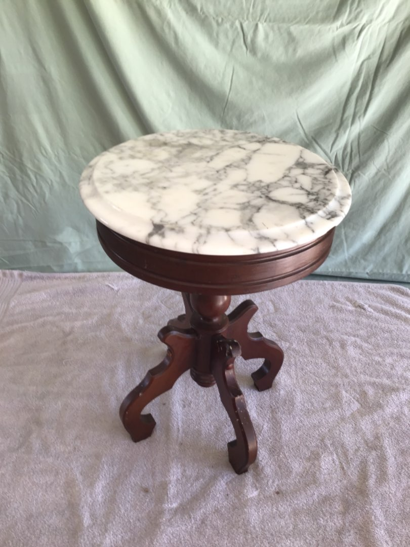 Lot # 173 Vintage Low Marble-Topped Mahogany-Based Plant Stand