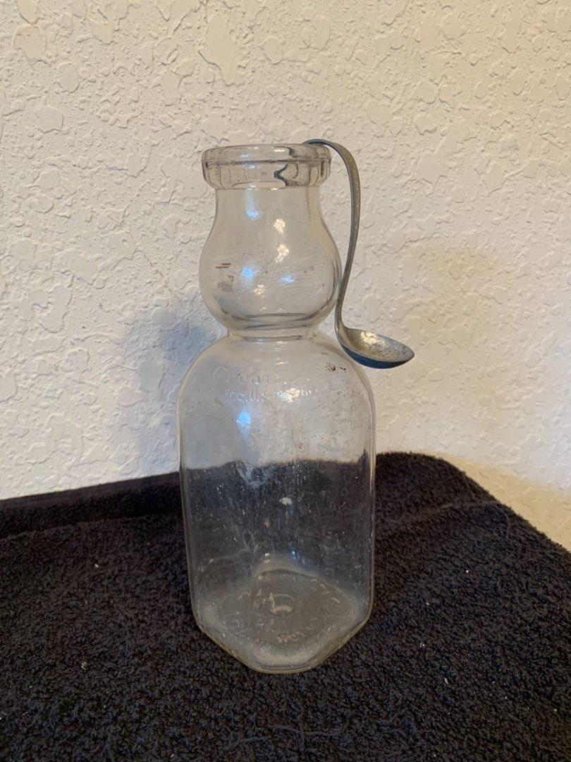 Lot # 201 Vintage Cream Top Quart Bottle With Original Cream Top Spoon