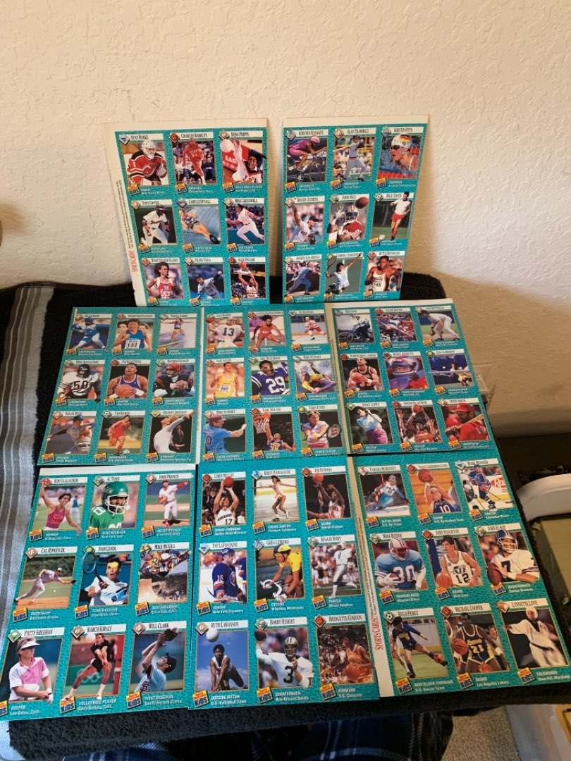 Lot # 229  1989 Sports Illustrated Kids Full Page Trading Cards. Nice Condition.