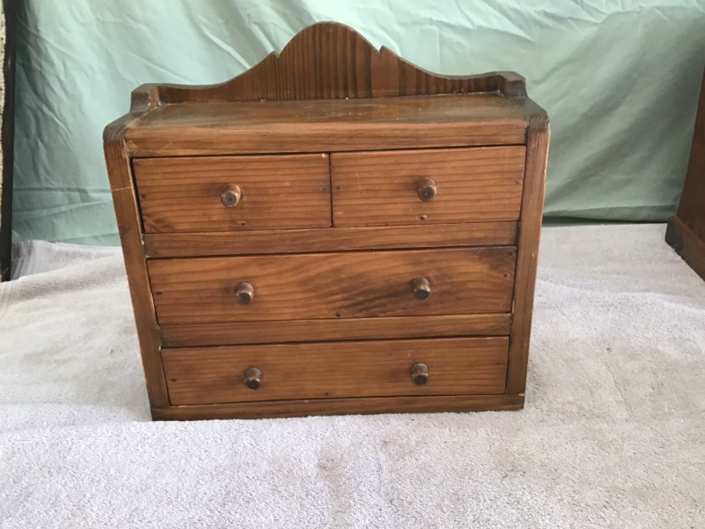 Lot # 242  4 Drawer Pine Spice Chest With Assorted Loose Jewelry