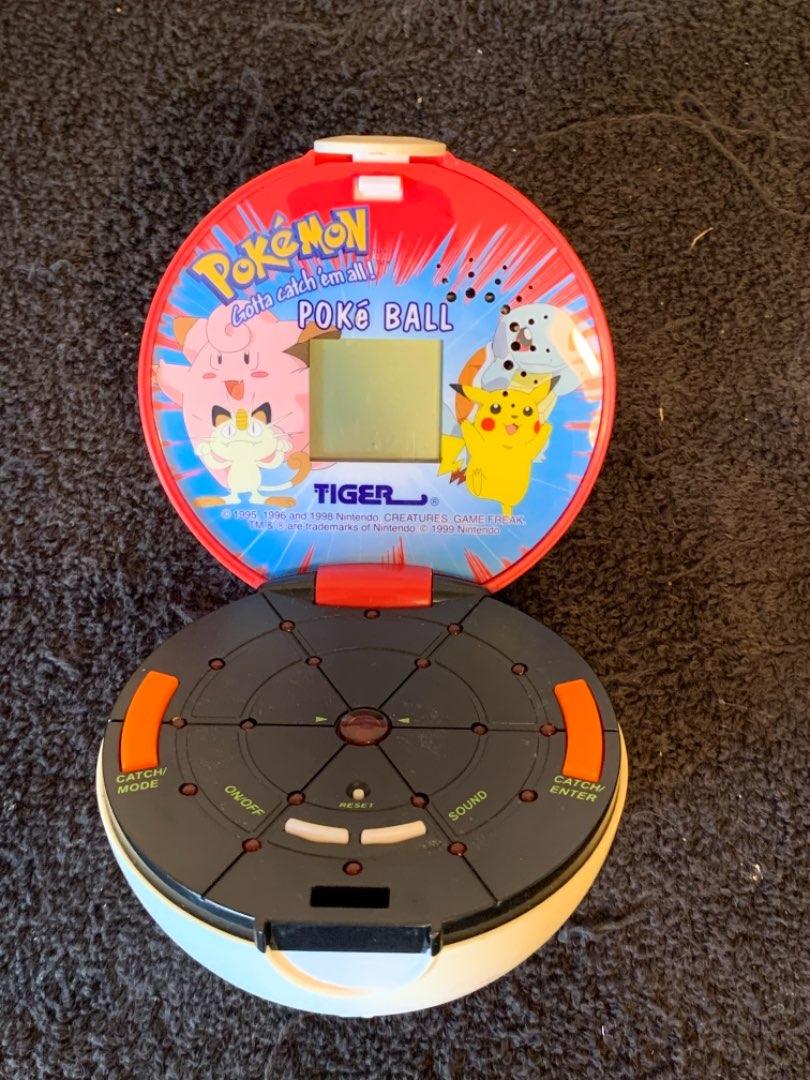 Lot # 272 Vintage 1999 Nintendo Pokémon Pokeball Tiger Handheld Electronic Game.