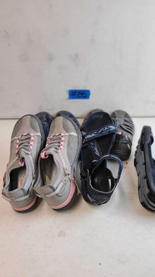 Lot # 85 Lot of Various Womens Footwear (Size 8-8 1/2)