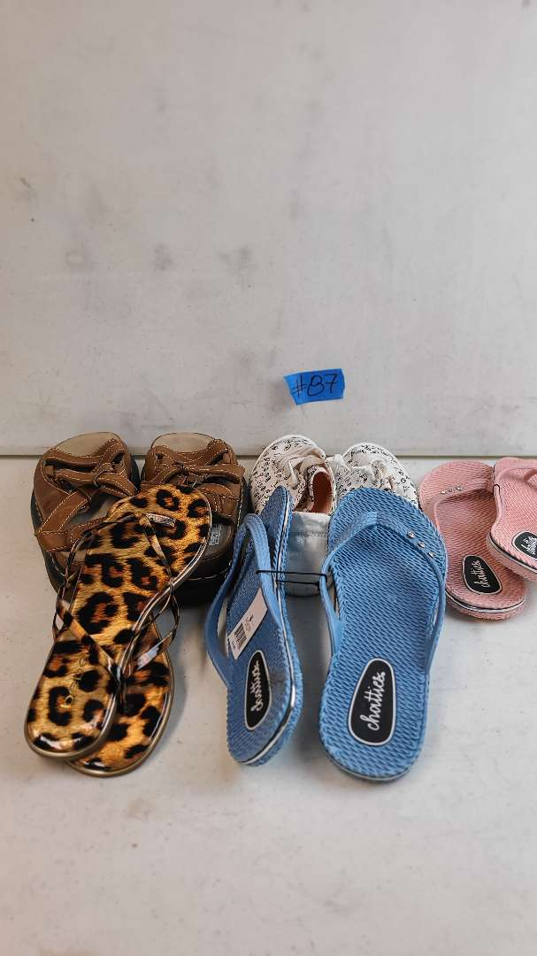 Lot # 87 Lot of Various Womens Footwear (Size 8-8 1/2)