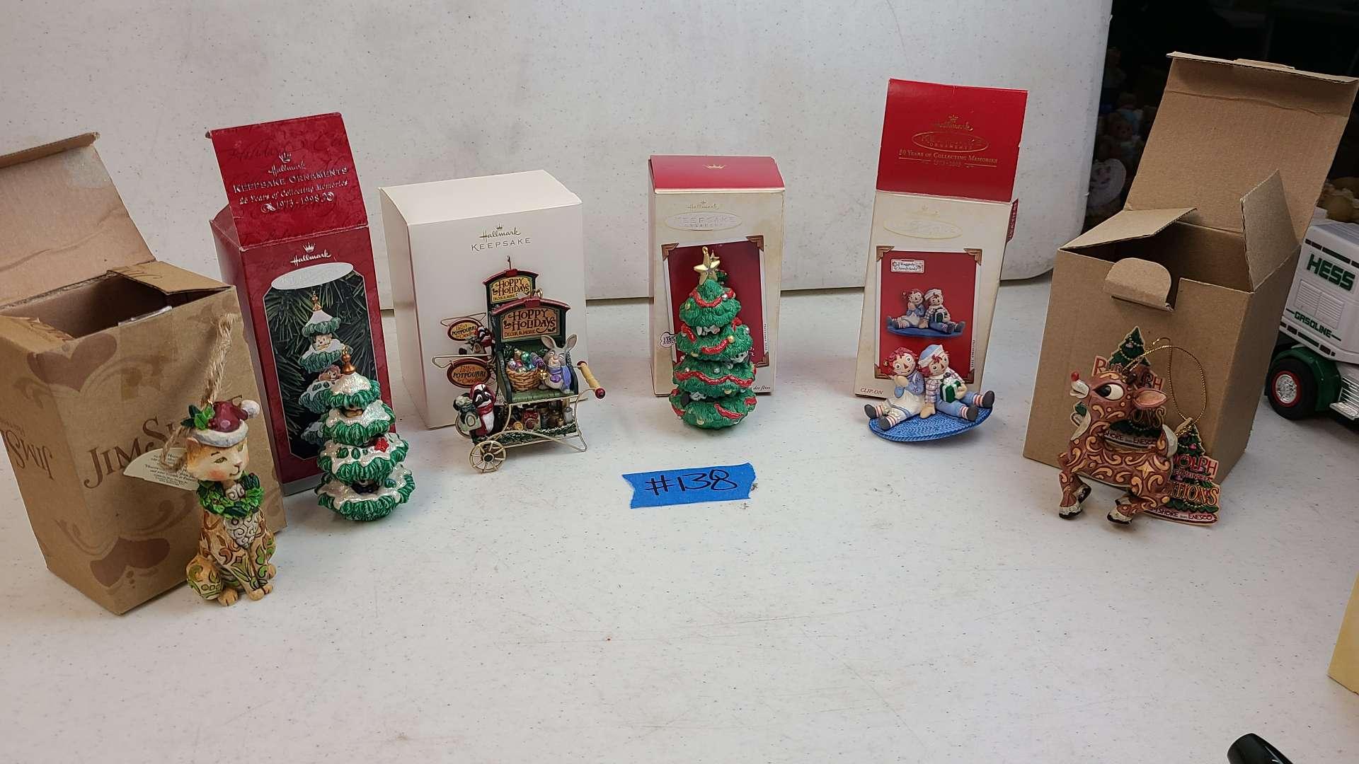 Lot # 138 Lot of Hallmark Keepsake Chirstmas Ornaments
