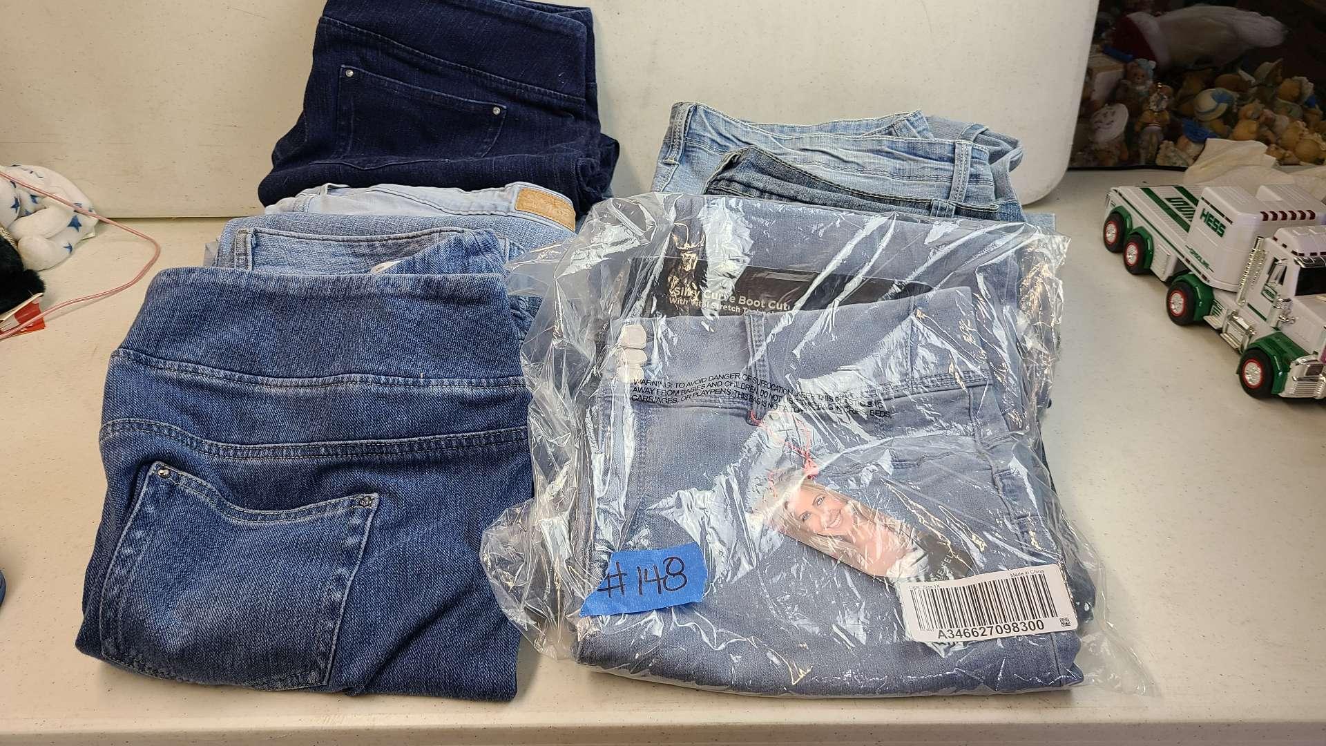 Lot # 148 Lot of Womens Pants (1XL-3XL)