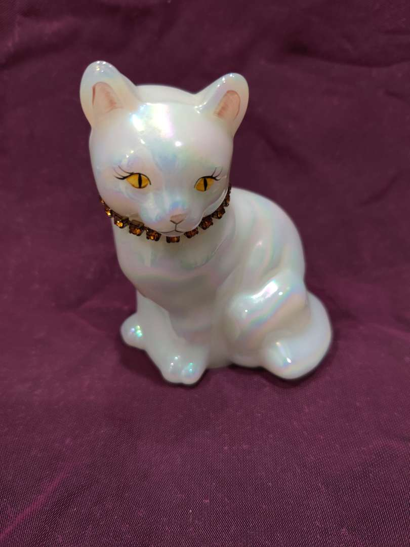 # 6 Fenton art glass white cat with jeweled necklace 4 in tall and excellent condition