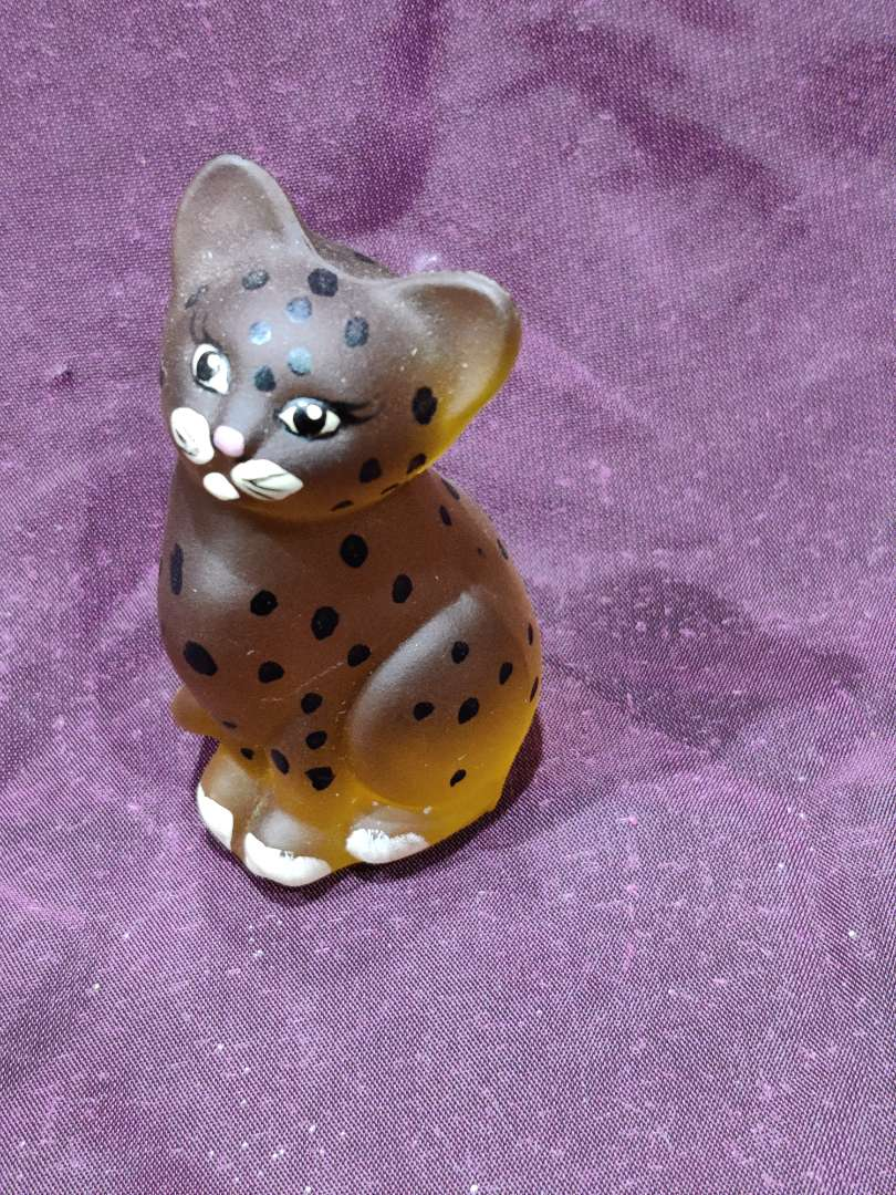 # 11 Fenton hand-painted leopard cub cat 3 in tall excellent condition