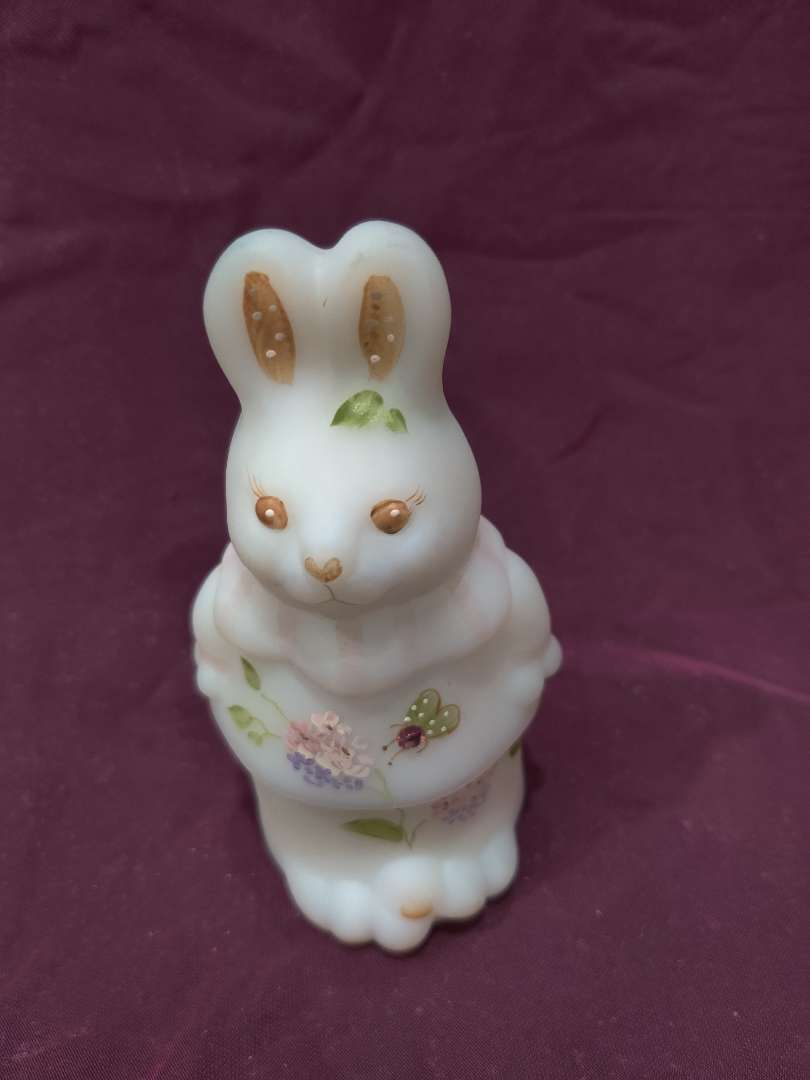 # 23 Fenton rabbit covered dish two pieces 5 1/2-in tall excellent condition
