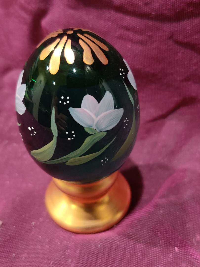 # 38 Fenton art glass hand-painted egg limited edition 4 in tall